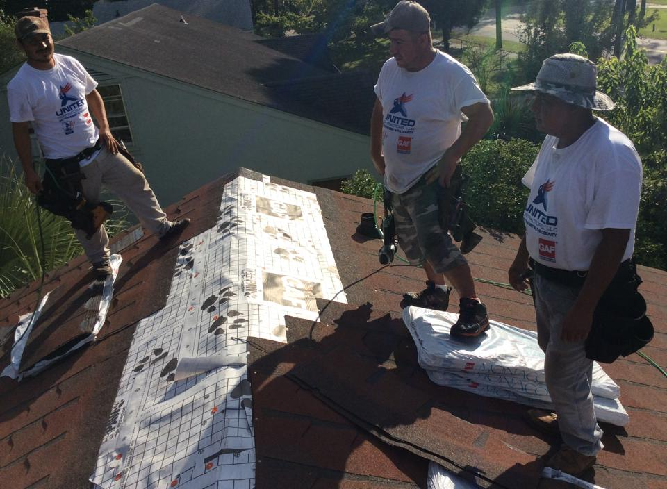 united-contractors-roofing-at-work